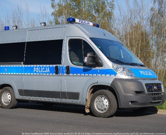 Policja Ostrołęka: Pijana kierująca próbowała wręczyć policjantom łapówkę - wylądowała w areszcie